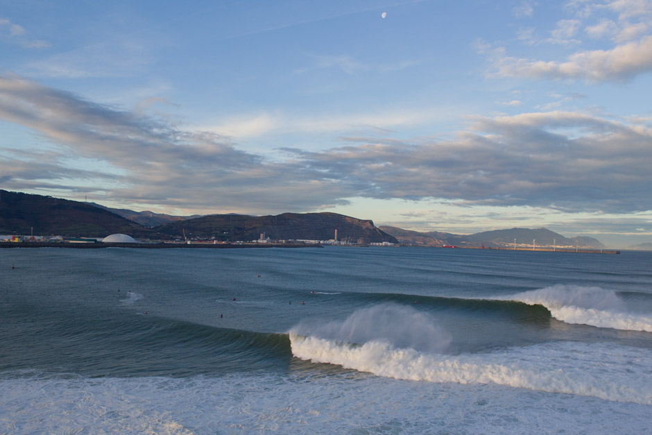 foto ola grande punta galea: