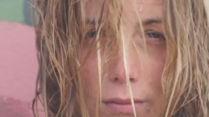 leticia-canales-volcom-surf