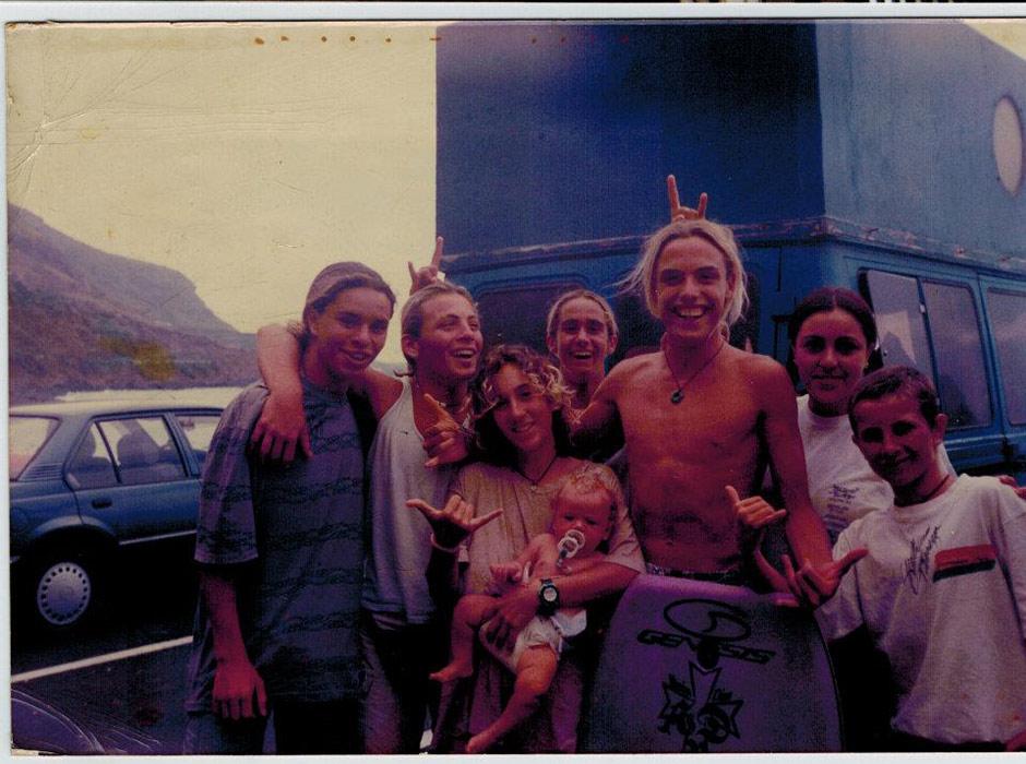 Tenerife. Años 90. Rocío y Henalu casi recién nacido.