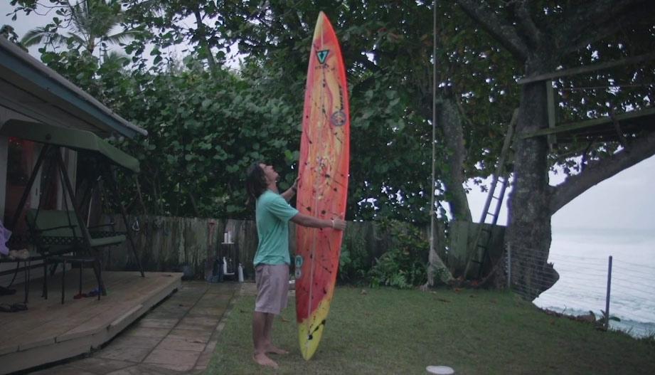 daniel-jones-surf