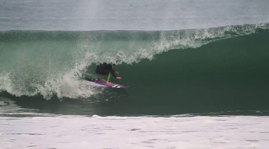 ruben-abelenda-surfing-crudo