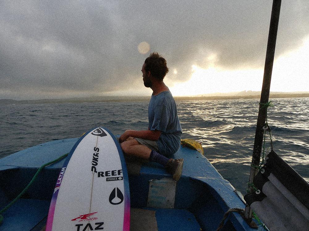 kepa-acero-galapagos-surf
