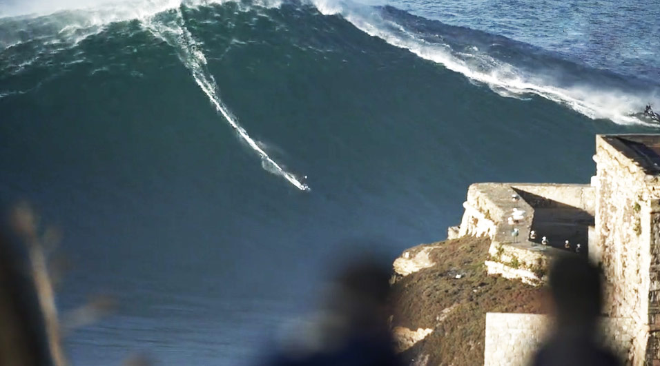 nazare-big-waves