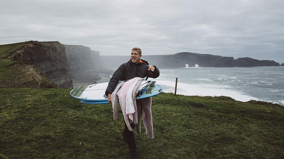Mick Fanning disfrutando de la vida fuera del tour en Irlanda
