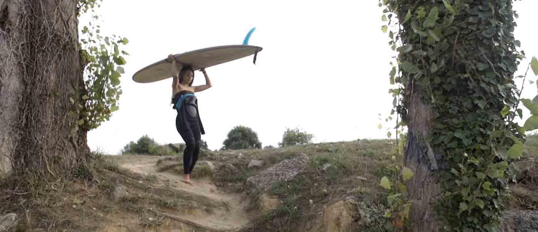 Valeria-Arzani surf latas