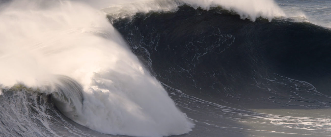 nazare-big-surf