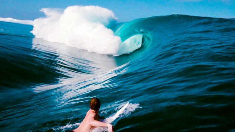 oliver-kutz-surf-teahupoo