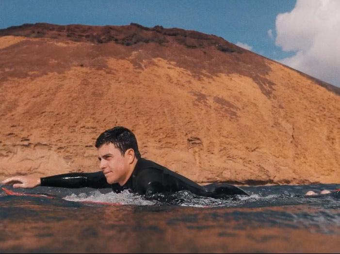 luis-diaz-surf-eruption
