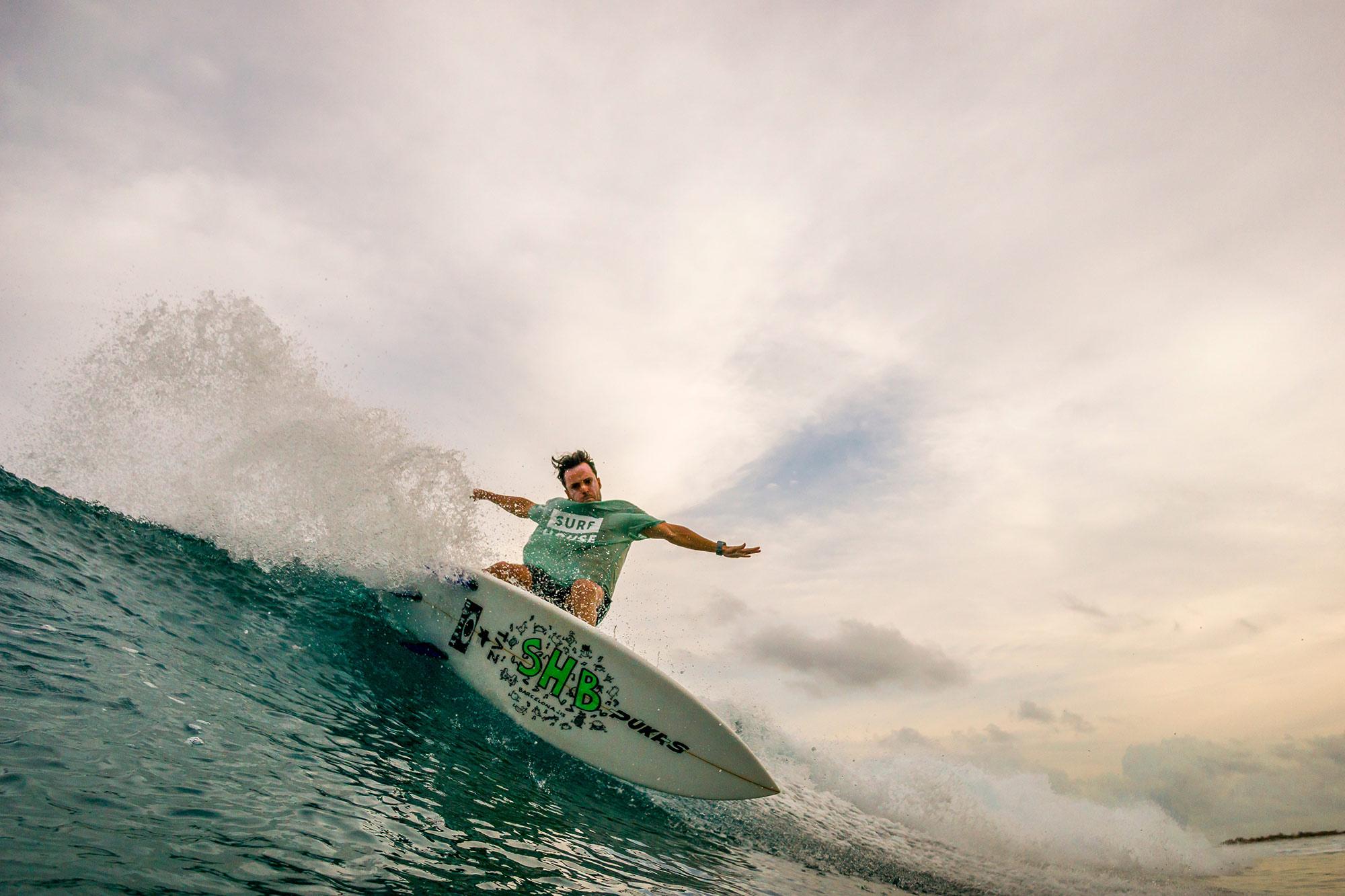alex-knoepfel-viaje-surf-maldivas-1-