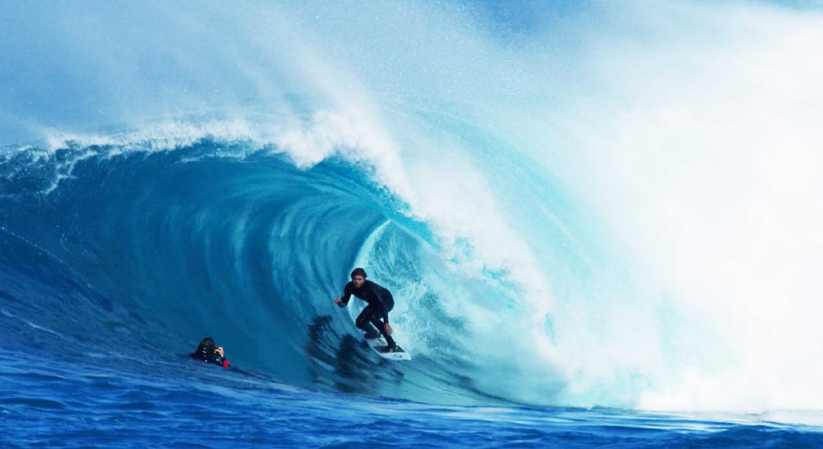 noa-deane-surf