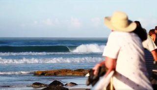 kirra-surf