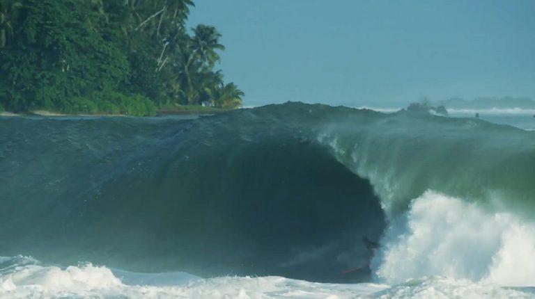 Nias swell