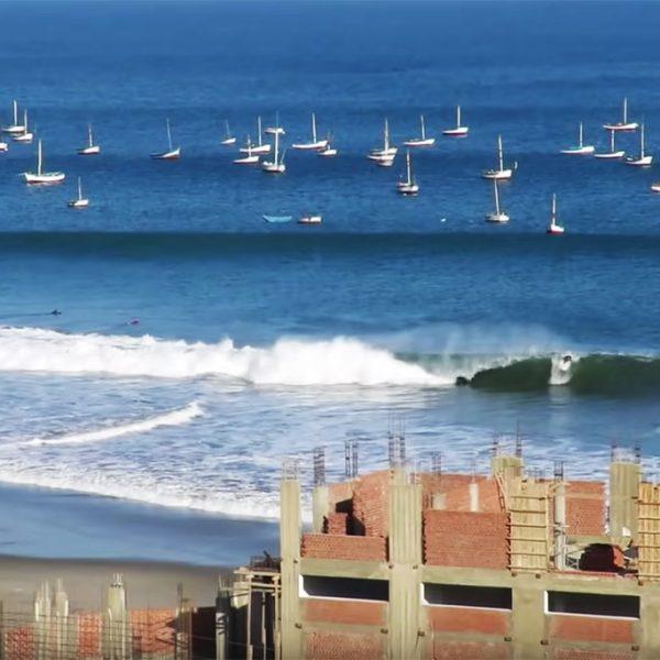 Surf en cabo blanco, Perú.