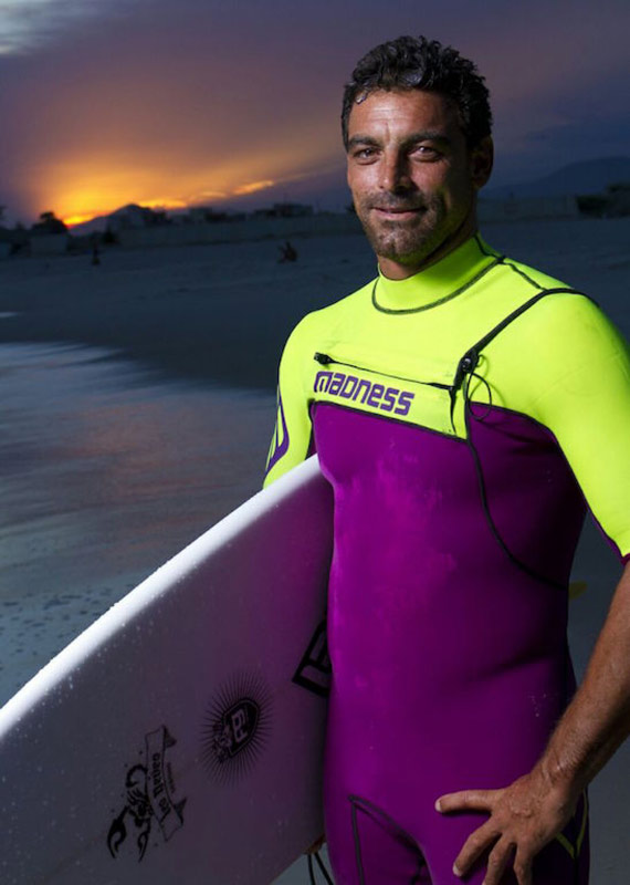 Leo Neves foto madness Wetsuits