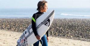 axel-dominguez-surfista