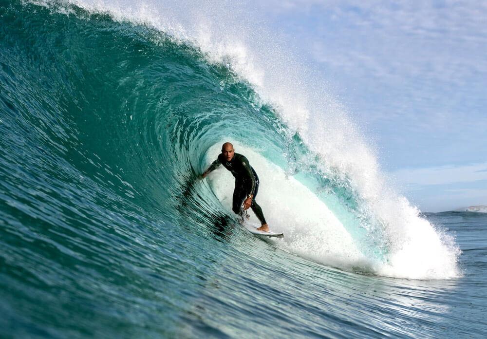 Una de las sesiones mas especiales de mi vida. Tuve la suerte de compartir unas olas increíbles con el rey del surf por Francia. Fue increíble poder conversar con el como si nada. Sin duda un día que jamas olvidare.