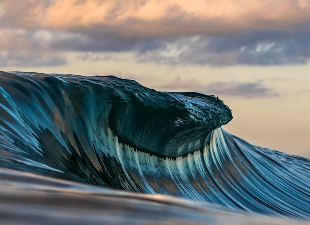 Parando el tiempo, esta ola tiene 40cm de altura, no suelo sacar muchas veces a olas pequeñas pero de vez en cuando me encanta buscar diferentes ángulos.