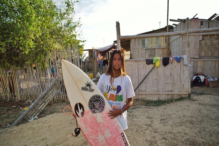 genesis-margruesa-ecuador-surfista