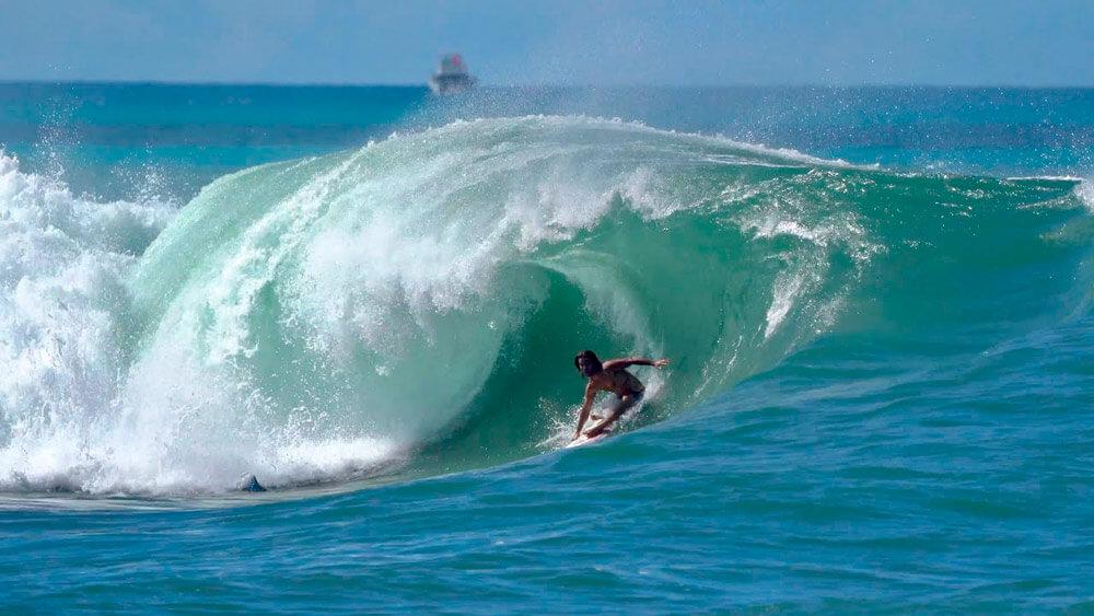 mason-ho-ala-moana-margruesa-surf-hawaii