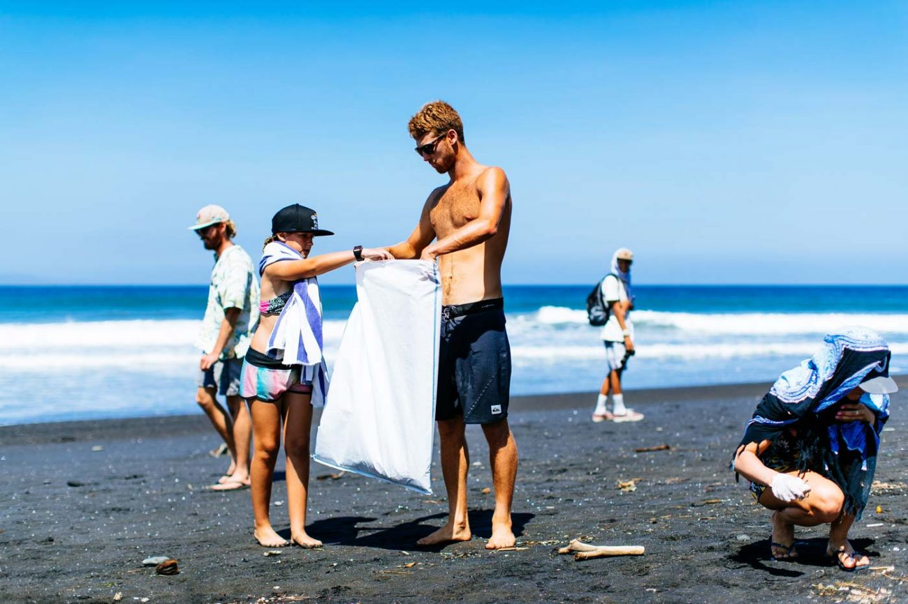 Jessie Mendes beach clean