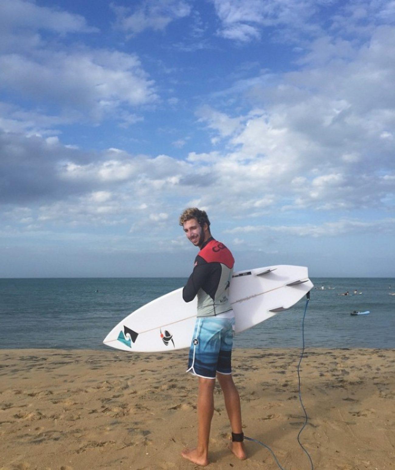 surfers-crowd-pesados
